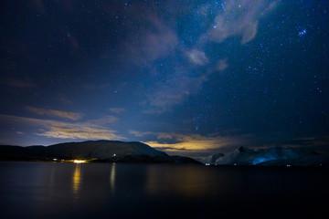 Blaue Stunde am Fjord