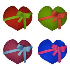 Sammlung von Valentinsherzen mit einer Schleife.