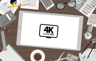 Schreibtisch mit Tablet - 4K Ultra HD