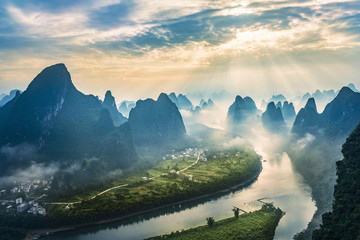 Foto op Plexiglas Guilin Landscape of Guilin, Li River and Karst mountains. Located near The Ancient Town of Xingping, Yangshuo, Guilin, Guangxi, China.