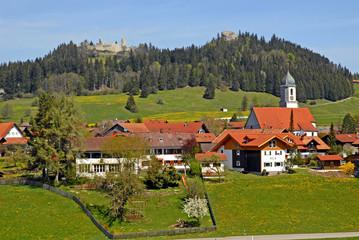Burgruinen über Eisenberg, Allgäu