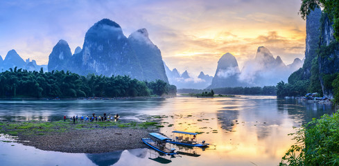 Zelfklevend Fotobehang Guilin Landscape of Guilin, Li River and Karst mountains. Located in The Ancient Town of Xingping, Yangshuo, Guilin, Guangxi, China.