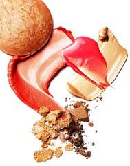 Creamy liquid cosmetics and crushed powdered bronzer