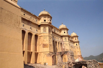 Defensive walls and turrets of Amber Fort