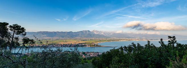 Spoed Foto op Canvas Liguria Versilia Coast and Apuan Alps - Italy