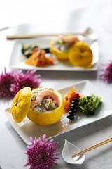 柚子皮に入った寿司ごはん