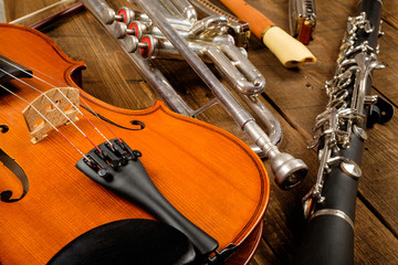 Obraz instrument in wood background - fototapety do salonu