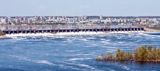 View of the city of Togliatti and the dam of Zhigulevskaya HPP, Russia