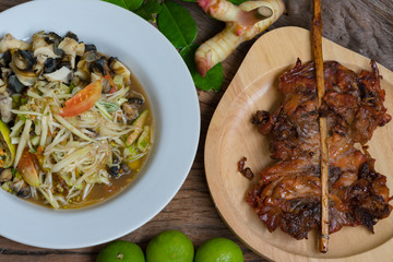 papaya Spicy Salad and Grilled Chicken