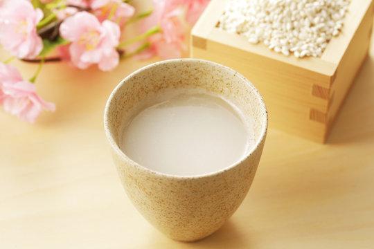 甘酒 Amazake. Sweet drink made from fermented rice.