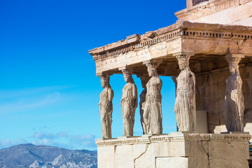 Photo sur Aluminium Athenes Karyatides statues, Erehtheio, on the Acropolis in Athens, Greece