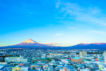 富士山と街並み