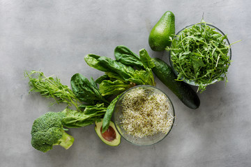 Broccoli, spinach, avocado, arugula, pea-shoots, alfalfa, cucumber. Ingredients detox salad