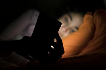 Uykusuzluk ve cep telefonları