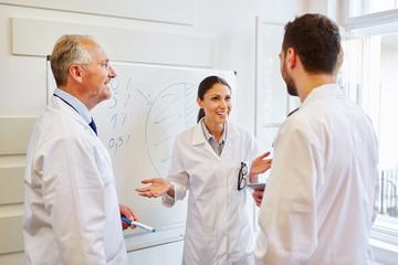 Frau als Ärztin und Referent