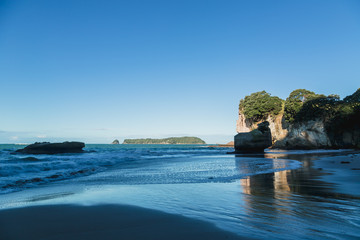 Cathedral Cove in Coromandel Peninsula, New Zealand