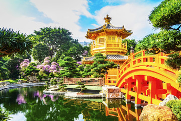 Photo sur Aluminium Hong-Kong Nan Lian Garden. It is a Chinese Classical Garden in Diamond Hill, Kowloon, Hong Kong.