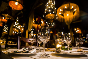 Foto auf Gartenposter Restaurant luxury elegant table setting dinner in a restaurant