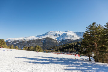 Person practicing mountain skiing in the Sierra de Guadarrama in Madrid