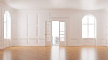 Eleganter leerer Raum im Altbau mit Balkon