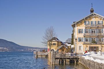 Rathaus und Seepromenade