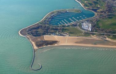 Luftaufnahme von Montrose Beach und Jachthafen in Chicago