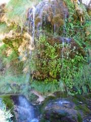 Cascada de Bogarra al sureste de la península ibérica, en la provincia de Albacete, dentro de la comunidad autónoma de Castilla-La Mancha (España), en la  la Sierra de Alcaraz
