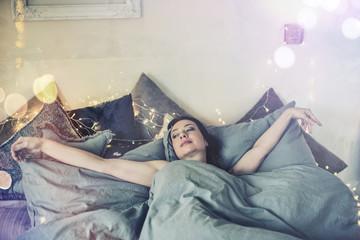 wake up Junge Frau Ambiente aufwachen