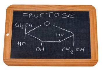 Formule chimique du fructose écrite sur une ardoise