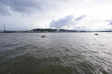 ブルネイ川を走る水上タクシー
