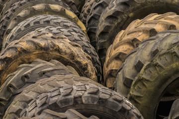 Recycling Gebrauchtreifen warten auf erneuten Einsatz - Recycling used tyres waiting for reuse