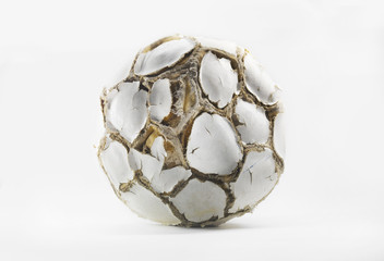ballon de football abîmé