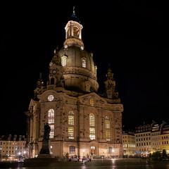 Frauenkirche in der Altstadt von Dresden bei Nacht