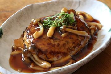 和風ハンバーグ(きのこソース) Japanese hamburg(Teriyaki sauce with mushrooms)