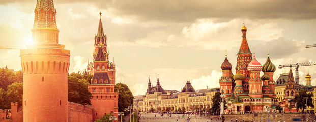 Fototapete - Moscow Kremlin and Cathedral of St. Basil on the Red Square
