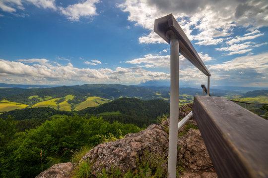 Panorama ze szczytu wysokiej w pieninach