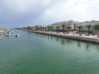 Lagos (Portugal) ciudad del Agarve famosa por su  puerto,casco antiguo amurallado, sus acantilados de Ponta da Piedade y sus playas en el océano Atlántico.