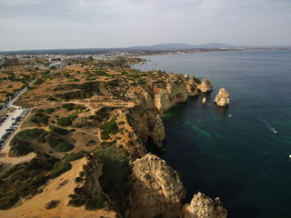 Ponta da Piedade  (Portugal) de Lagos en el Agarrve, formaciones rocosas en la costa con cuevas y grutas por las que se hacen visitas en barco.