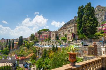 Taormina , seen from the Villa Communale,Sicily. Fototapete