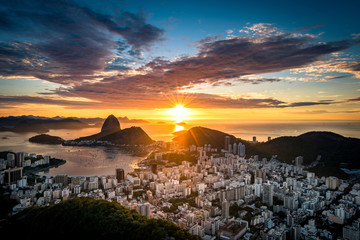 Wall Mural - Beautiful colorful sunrise of Rio de Janeiro, as seen from Dona Marta observation point