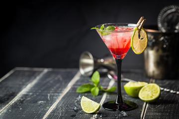 In de dag Cocktail Fresh classic lime margarita cocktail