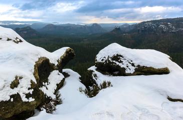 Aussicht vom Kleinen Winterberg über das Tal der Sächsischen Schweiz