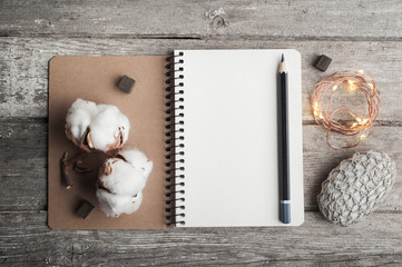 Empty notebook, lifestyle
