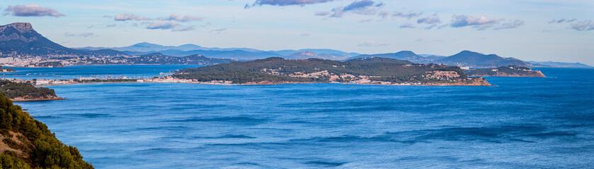Panorama de la côte depuis la Route Forestière sur la Corniche Varoise