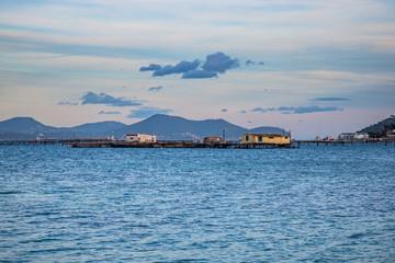 Cabanes sur pilotis dans la Baie du Lazaret à La Seyne-sur-Mer