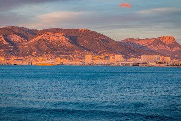 Vue sur la rade de Toulon depuis le Fort Balaguier à La Seyne-sur-Mer