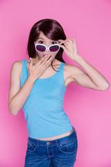 woman wear sunglasses