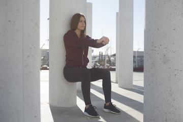 Chica entrenando en la Ciudad