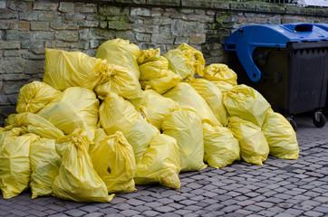 Garbage bag with garbage