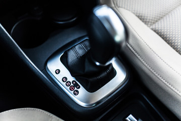 Fotoväggar - Automatic transmission stick in a car